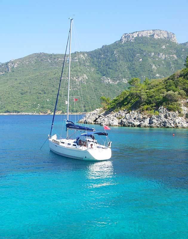 Location monocoque voilier avec skipper et cuisinier for Cuisinier bateau